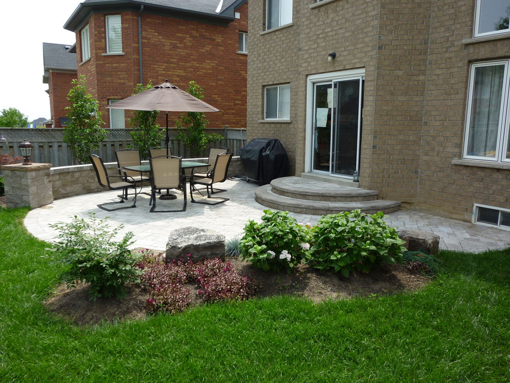 Patio Ideas For Backyard Pictures : patio backyard landscape interlocking brick patio patio design