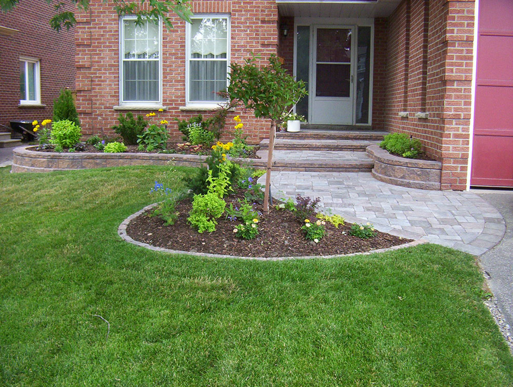 Front entrance landscaping front yard landscaping interlocking brick for Garden designs landscaping